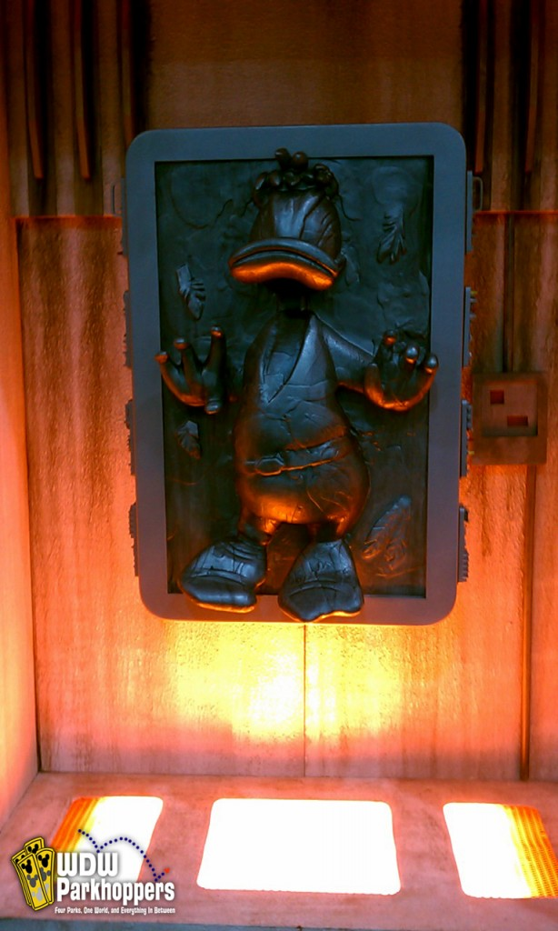 Donald Duck Solo Frozen In Carbonite Wdw Parkhoppers Walt Disney