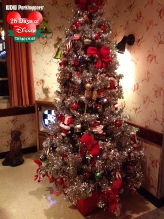 Hollywood Studios Christmas Studios-christmas-tree