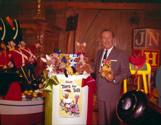 2012 Toys For Tots Logo : Days of disney christmas day walt and toys